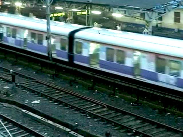 Video : As Rain Stops, Water Recedes From Mumbai Roads; Train Services Resume