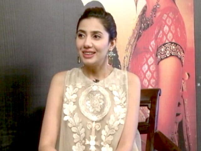 Video : Exclusive: Mahira Khan Says She 'Learned a Lot' From Shah Rukh Khan
