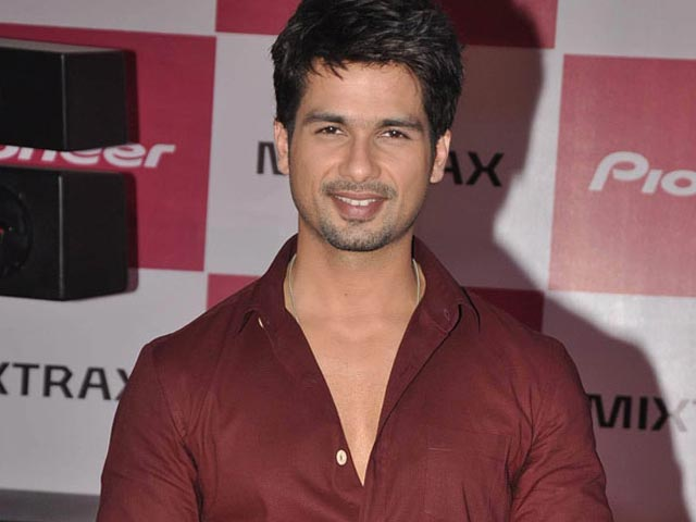 Shahid Replaces Madhuri as Jhalak Dikhhla Jaa Judge