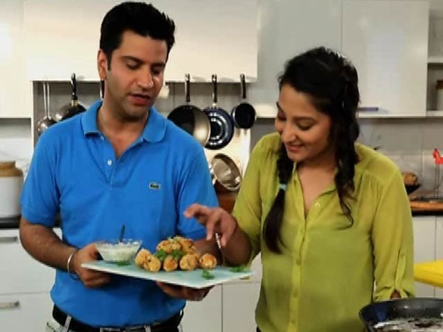 Video : My Yellow Table: Learn to Cook <i>Mirchi Palak</i> Curry & Olive <i>Paranthas</i> with Chef Kunal Kapur