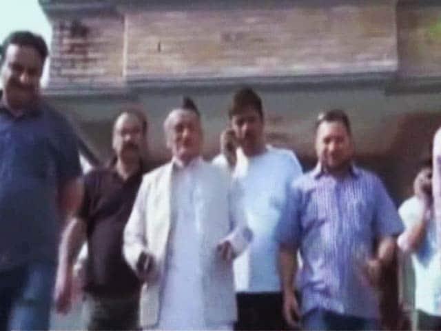 Video : उत्तराखंड : सांसद के भी और पूर्व CM के लाभ भी ले रहे ये नेता