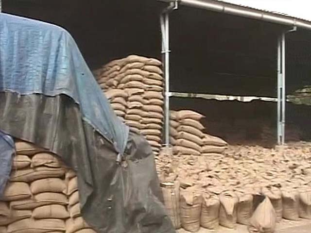 Video : Wheat Payments: Relief Announced by Centre Yet to Reach Punjab Farmers