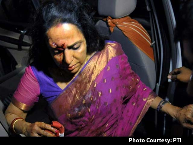 Video : Hema Malini Criticised for Leaving Accident Site Without Reaching Out to Victims