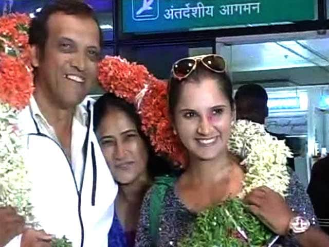 Video : Sania Mirza Returns Home to Hero's Welcome After Wimbledon Triumph