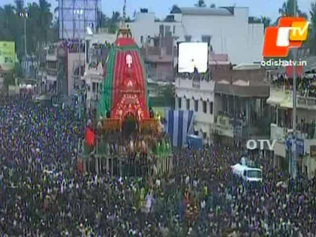 Video : 2 Dead, 20 Injured in Stampede During Rath Yatra in Puri