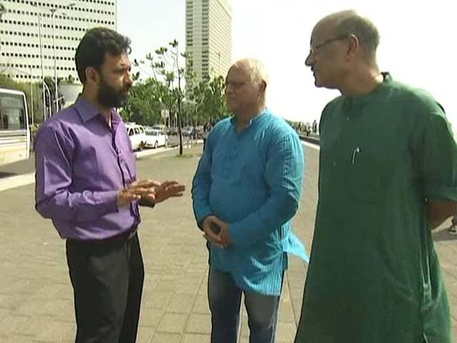 Video : Walk The Talk With Victims of 1993 Mumbai Blasts and Riots