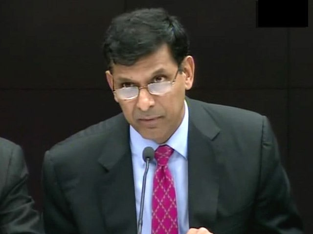 Video : RBI in Dialogue With Government on Monetary Policy Committee: Raghuram Rajan