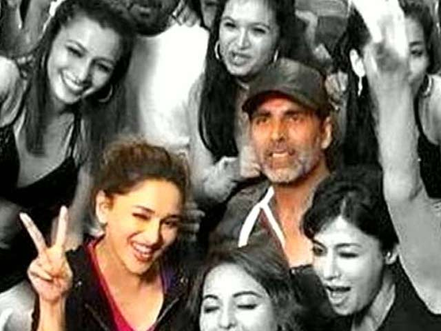 Madhuri, Akshay to Perform in Fusion Tour
