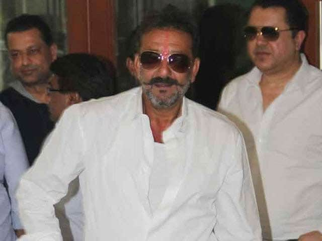 Video : Sanjay Dutt Gets 30-Day Parole for Daughter's Nose Surgery
