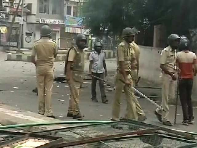 Video : Surat Tense After Fresh Clashes, Police Tear Gas Protestors