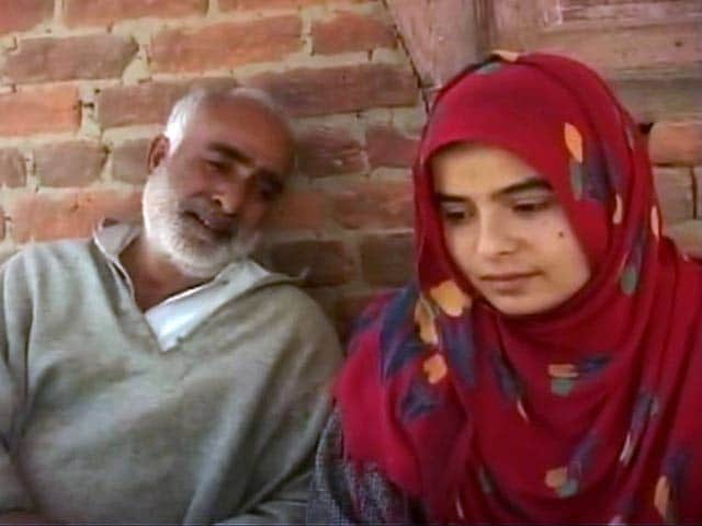 Video : A Year After Floods, Kashmir Family Still Can't Send Daughter To School