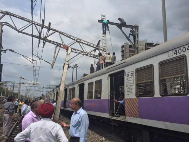 Video : A Mumbai Train Derailed, Another Approached, And A Brake Hit Hard