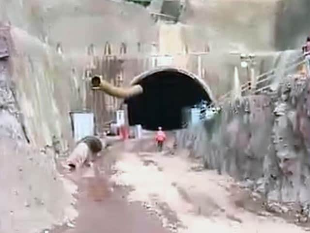 Video : 9 Days in a Tunnel: Efforts to Rescue Trapped Men in Final Stages