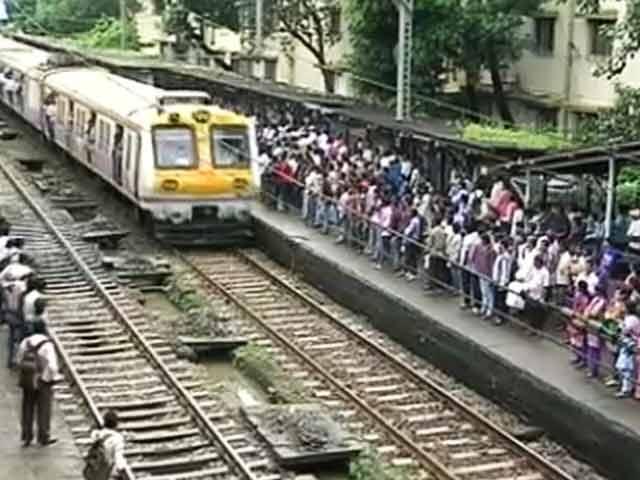 Video : मुंबई : एक दिन में अलग-अलग हादसों में गई 14 लोगों की जान