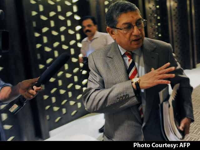 Video : Is N. Srinivasan Backing Sharad Pawar to Become BCCI President?