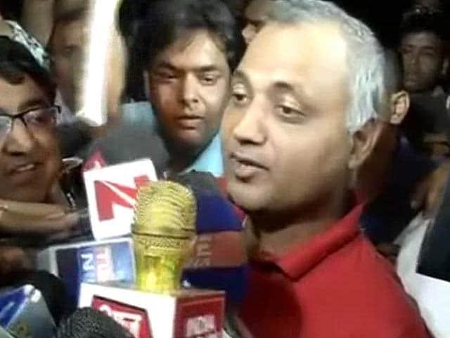 Video : Somnath Bharti Surrenders Hours After Supreme Court Deadline