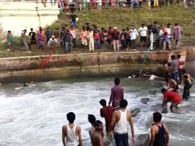 Video : संगरूर : ...जब दो सिख युवकों ने पगड़ियों से बचा लीं छह जानें