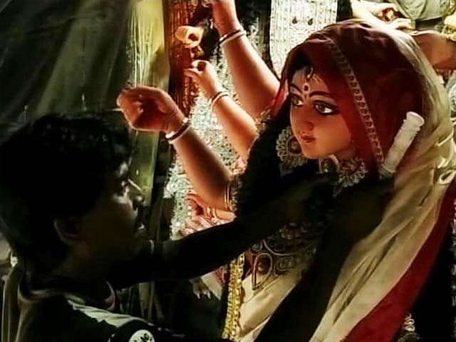 Video : Preparing For Durga Puja, Bengal Up Today at 4 am for Mahalaya