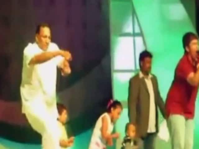 Video : टीडीपी सांसद का गंगनम स्टाइल डांस सोशल मीडिया पर हुआ वायरल
