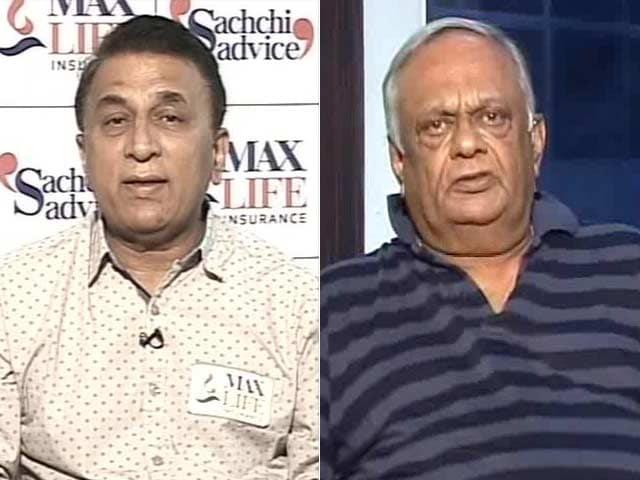 Video : Dhoni is Extraordinary, Says Gavaskar; Not a Superman: Prasanna