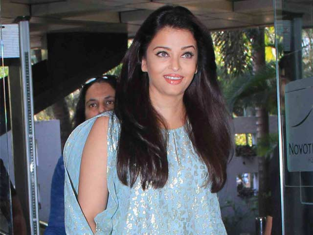 Aishwarya Leaves For Vienna