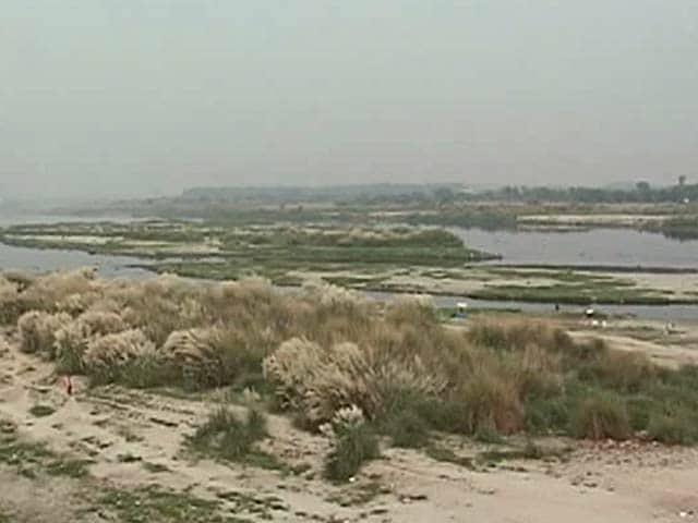 Video : बनारस की तर्ज पर अब दिल्ली में भी यमुना किनारे होगी आरती