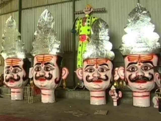 Video : An 80-Feet Ravan at the Height of Dussehra Preparations in Bhopal