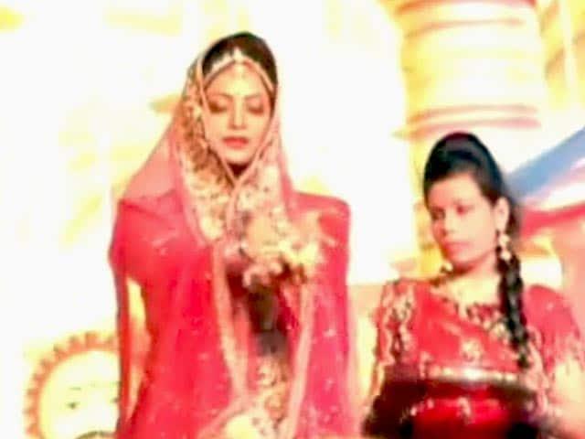 Video : रामलीला के मंच पर बॉलीवुड सितारे