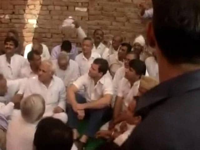 Video : Haryana Dalit Children Deaths: Rahul Gandhi Visits Victims' Family Amid Protest By Locals