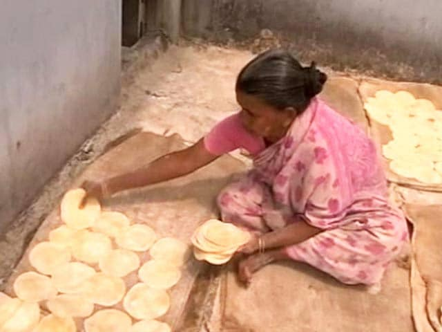 lijjat paapad The story of shri mahila griha udyog lijjat papad is all that and much more today, lijjat is more than just a household name for 'papad.