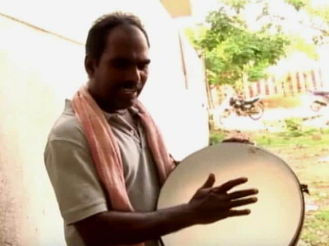 Video : Tamil Singer Arrested for Sedition Over Song Criticising Jayalalithaa