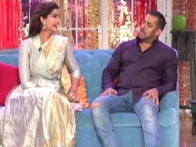 Video : Not Glamorising Charles: Randeep; Sonam, Salman Have a Blast With Kapil