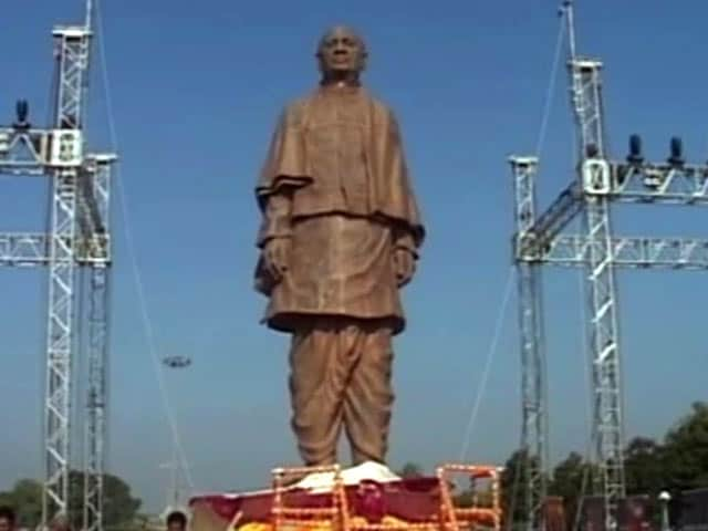 Video : Gujarat Unveils Sardar Patel's 30-Feet Statue