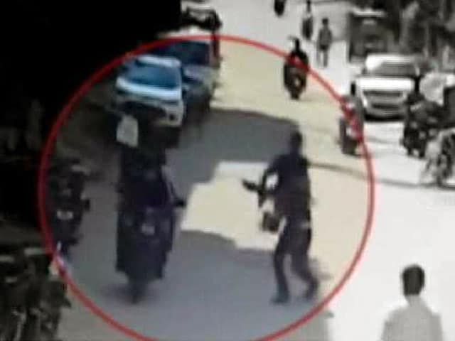 Video : Anti-Chain Snatching Teams Open Fire on Offenders in Hyderabad