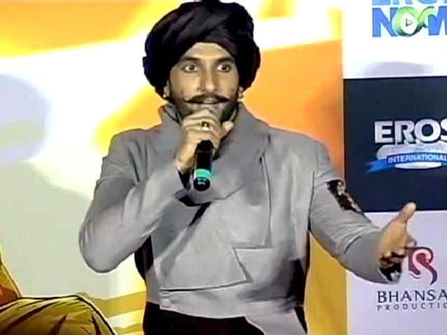 Video : Ranveer's Tribute to Big B: His Khuda Gawah Look