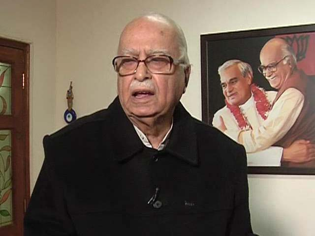 Video : No One Running House, LK Advani Overheard Fuming At Speaker, Minister