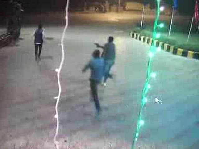 Video : Murder at Gurgaon Petrol Pump Caught on CCTV Camera