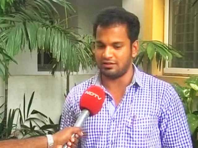 Video : As Floods Continue in Chennai, People Open Their Doors to Strangers
