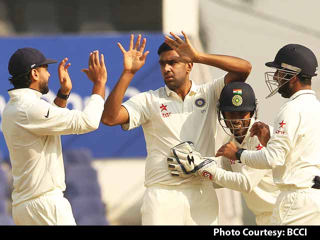 Video : Don't Blame Nagpur Pitch, Batsmen Played Poor Shots: Gavaskar