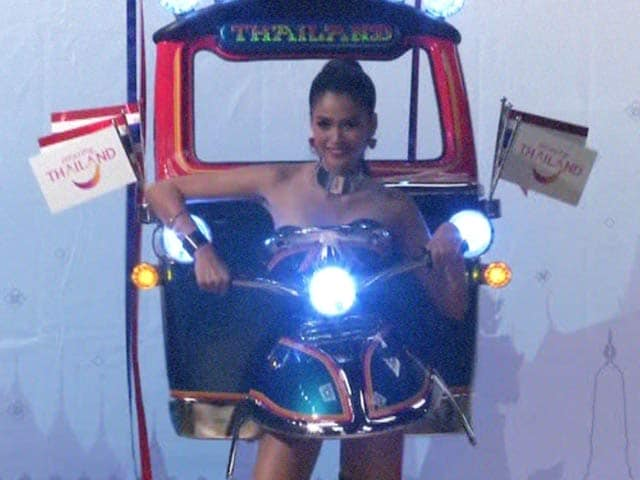 Video : The Tuk Tuk Dress, From Thailand's Streets to Miss Universe