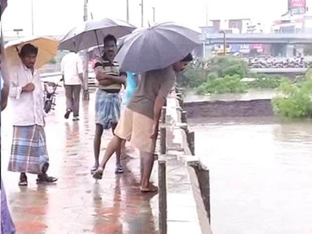 Video : Chennai's Saidapet Bridge Shut as Water Level Rises