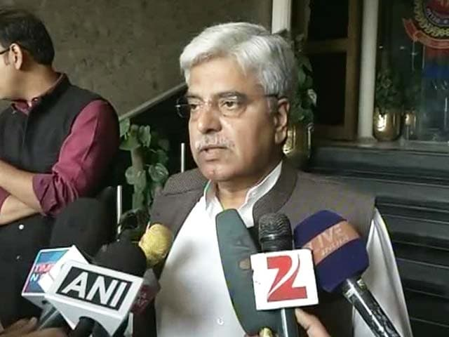 Video : 'Will Send Dishonest to Grave': Delhi Police Chief''s Words Incense AAP