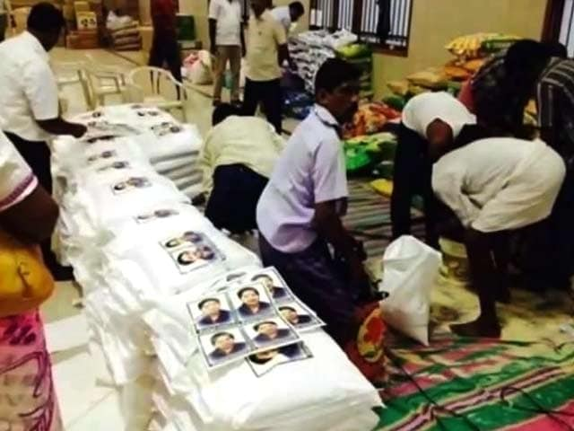 Video : Jayalalithaa's Photos on Relief Material Fuel Controversy
