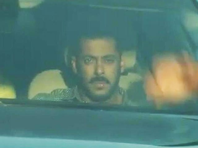 Video : Salman Khan Acquitted In 2002 Hit-And-Run Case