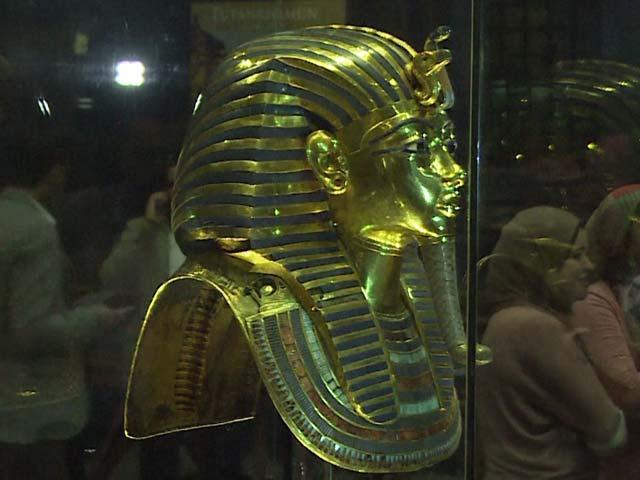 Video : Tutankhamun's Gold Mask Restored After Botched Repair
