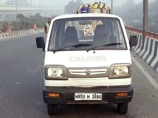 Video : दिल्ली : बदरपुर इलाके में सड़क हादसा, छह लोगों की मौत