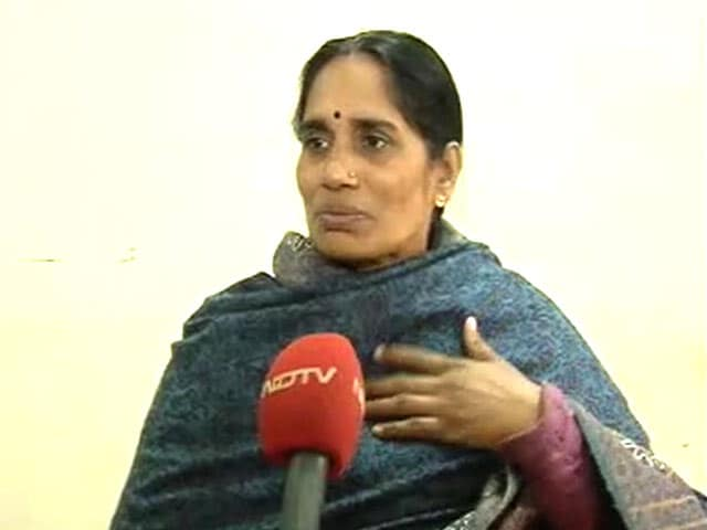 Video : Delhi Gang-Rape: 'Government Has Failed Us', Says Mother Of Student