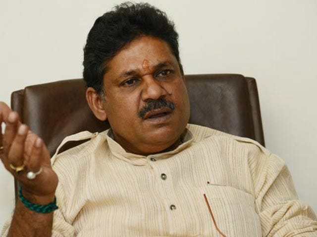 Video : After Late Night Controversial Tweet, Kirti Azad Says His Account Hacked