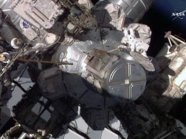 Video : Two Whacks is all it Took for Spacewalk Repair