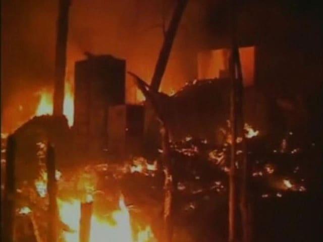 Video : 1 Killed In Kolkata Slum Fire Near Dum Dum Park